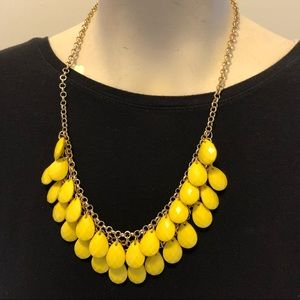 Yellow beaded necklace gold tone NWT